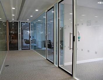 Калинковичи - установка дверей в офис