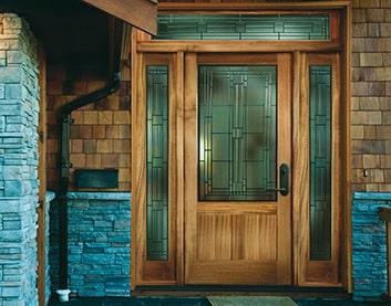 установка деревянных дверей в Чашниках