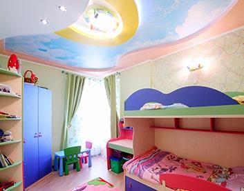 Натяжные потолки с фотопечатью в детскую - Ветка