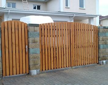 Деревянные ворота - Высокое (Брестская область)